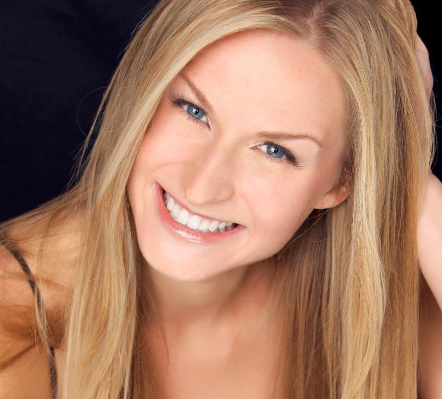 JENN GOTZON: HOLLYWOOD'S BEST KEPT SECRET-SHINING BLINDINGLY BRIGHTLY!